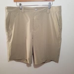 Vineyard Vines size 35 kahki shorts